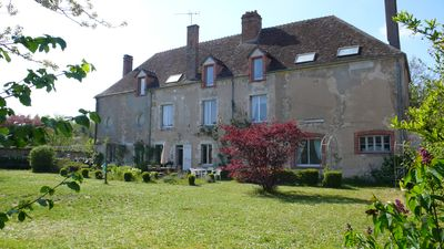 Photo for Holiday rental house with garden near the Loire river.