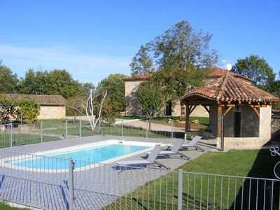 Photo for Charming cottage (15 people) near St Antonin Noble Val, 4 ****, swimming pool, terrace