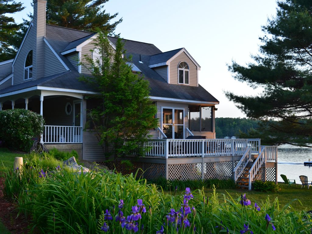 Charming Secluded Waterfront Home Located On Private 400 Acres Stiles Lake