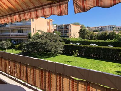 Photo for Golfe Juan 6 pers - Beach, shops and wifi
