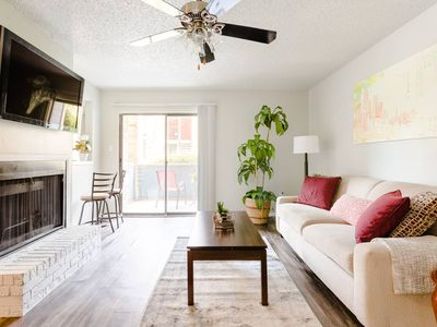 Photo for 1B1B in South Central Austin   King Bed, High-Speed WiFi, Free Parking ⛅️