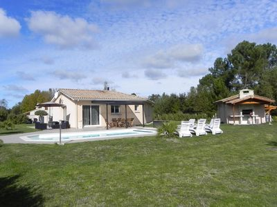 Photo for Comfortable house 100 m2 fenced garden of 2400m2 heated pool