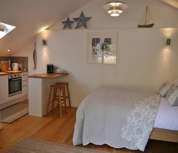 Photo for Contemporary Open Plan  Studio, Sleeps 2, Close to the Water and Coast Path