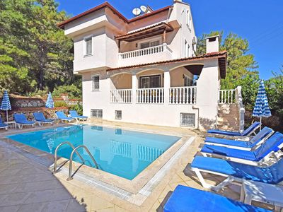 Photo for Centrally located 5 bedroom Villa Woodland in Hisaronu with private pool.