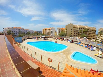 Photo for Sun and Beach apartment with swimming pool + Wi-Fi