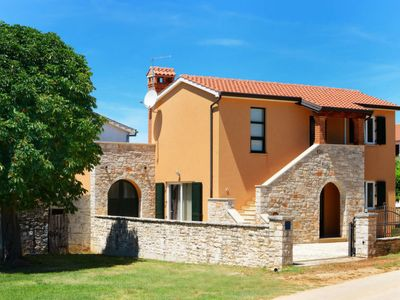 Photo for Vacation home Haus Petrovic (KST250) in Porec/Kastelir - 7 persons, 2 bedrooms