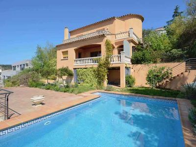 Photo for Holiday rental villa with swimming pool in Begur, Residencial Begur