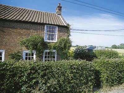 Photo for 2 bedroom accommodation in Clay Common, near Southwold