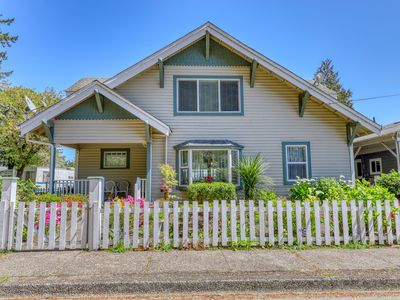 Photo for NEW LISTING! Spacious, dog-friendly home with great Old Town Florence location!