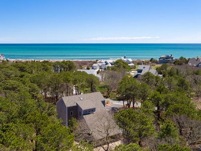 3 Private Beaches, Sleeps 8, AC, Dogs considered!