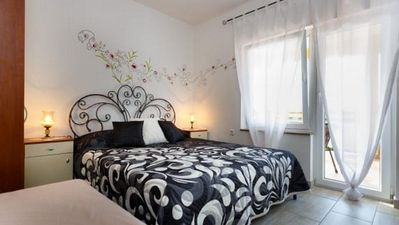 Photo for Studio flat with air-conditioning Malinska, Krk (AS-18193-c)