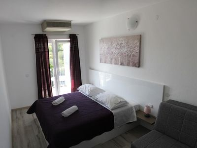 Photo for One bedroom apartment with balcony and sea view Primošten