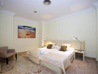 Photo for 1 Bedroom Apartment with balcony. 2 PAX. Catedral. CAT 33