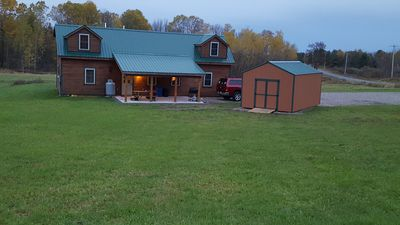 Minutes From Salmon River, On Snowmobile/ATV Trail, Fire Pit, WiFi, Grill, A/C