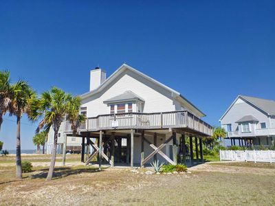 "Photo for Ready After Hurricane Michael! NO FEES! Bayside, Pets OK, Pool, Screened Porch, Fireplace,  3BR/ 2BA ""Moonlight Bay"""