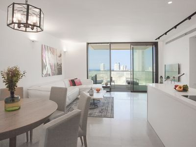 Photo for 4 Bedrooms (Luxury) Apartment - 7036 - 39 Pines Street.