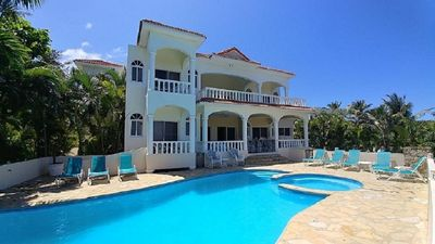 Photo for Large 6 bedroom, Luxury Villa with Pool, Ocean View, Fully Staffed, Near Beach!
