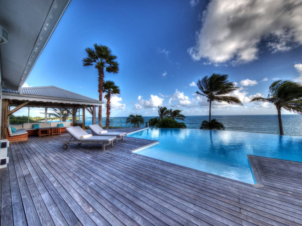 Luxurious private villa panoramic homeaway sainte anne for Club piscine ste marie
