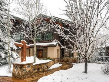 Gore Creek Place 4br/4.5 bath Townhome: 4 BR / 4 BA townhome in Vail, Sleeps 10