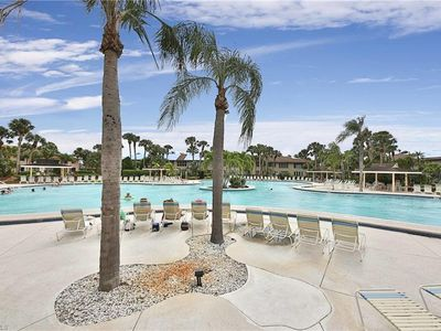 Photo for Comfortable retreat close to downtown and beaches