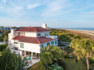 This is a wonderful 5 bedroom, 3 1/2 bath home and private beach crossover!