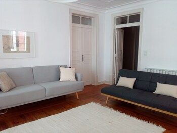 Photo for Stunning Apartment Near Chiado