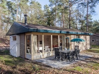 Photo for 8-person bungalow in the holiday park Landal Coldenhove - in the woods/woodland setting