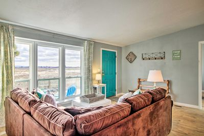 Escape to New Mexico & recharge at this lovely house in Moriarty.