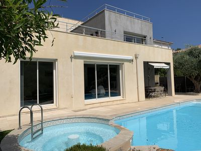 Photo for CALIFORNIAN VILLA with heated pool
