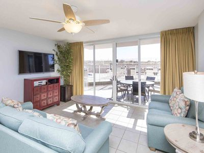 Photo for Beachfront Condo with Pool & Beach View. Incredible Resort Amenities! Free Beach Service