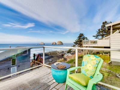Photo for Oceanview group getaway w/prime seaside location & plenty of room for everyone