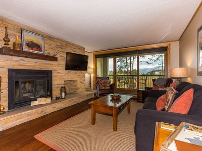 Photo for High-end Finishes Throughout, King Bed, Balcony w/Golf Course View, Free WIFI