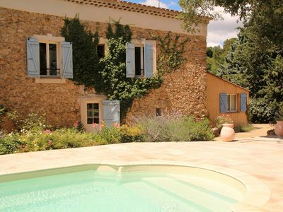 Photo for In the heart of green Provence in the Var, old charming sheepfold