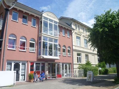 Photo for Exclusive and modern apartment, 3 minutes walk to the sea + beach, parking incl.