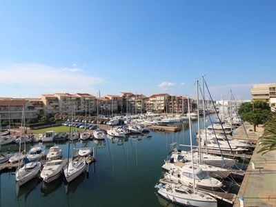 Photo for Grand Studio vue sur la marina et proche de la plage