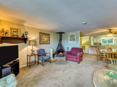 Photo for Roomy condo w/ balcony overlooking pond and golf course!