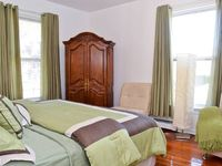 Top Notch the host Carmen was very accessible and made every accommodation for us. we will