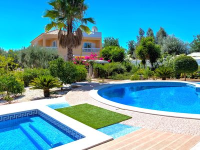 Photo for Superb Villa 10 Mins From Carvoeiro And Beach, Close To Silves Golf, Totally Pri