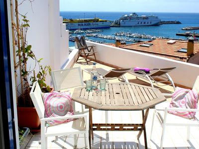 Photo for Bright and friendly corner house over the harbor of Morro Jable