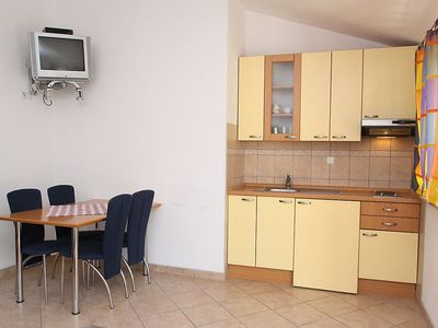 Photo for Apartment in the center of Makarska with Parking, Internet, Washing machine, Air conditioning (122951)