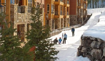 Ski in, Ski out, luxury resort. Exceptional snow