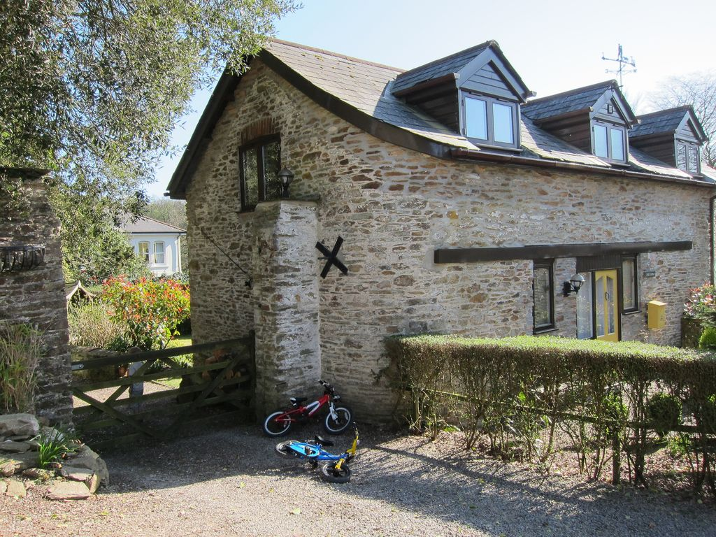 E20220: A Lovely Detached Stone Barn With Pools & Tennis ...