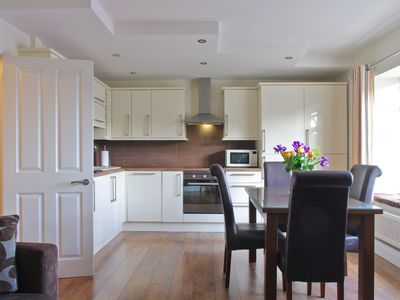 Photo for Great 1 bed apartment in fab location. Walking distance to top attractions.