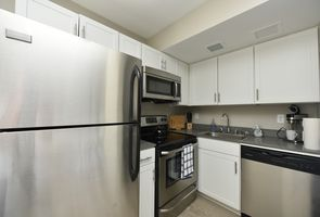 Photo for 1BR Apartment Vacation Rental in Louisville, Kentucky
