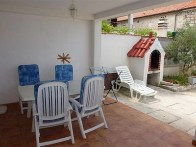 Photo for One bedroom apartment with terrace and sea view Betina, Murter (A-17061-a)
