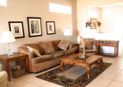 Plenty of Space for Entertaining in the Living Room!