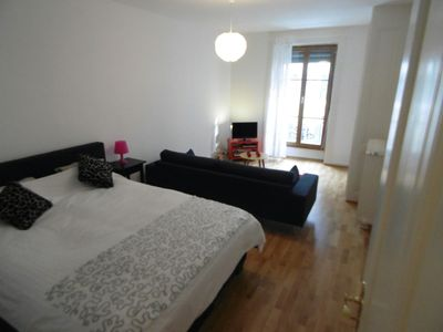 Photo for Fully renovated cozy flat in the center of geneva