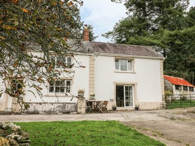 Photo for THE ANNEX, pet friendly, with a garden in Llanybydder, Ref 956447