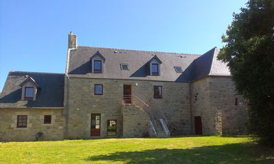 Photo for Cozy cottage in a Breton mansion of the sixteenth, 500 m from the sea, quiet