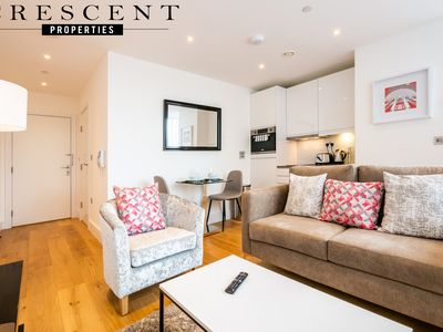 Photo for Luxury Slough Apartment
